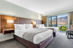 HolidayInnQueenstown-lake view Family Rooms